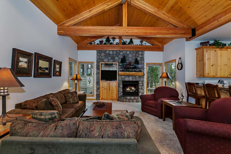 Luxury Sunriver vacation rental by owner minutes from Mt. Bachelor Ski Area